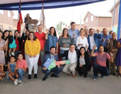 Gobierno entregó viviendas a 145 familias de Graneros